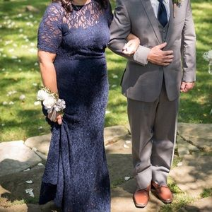 Mother of the bride dress. lace mermaid dress